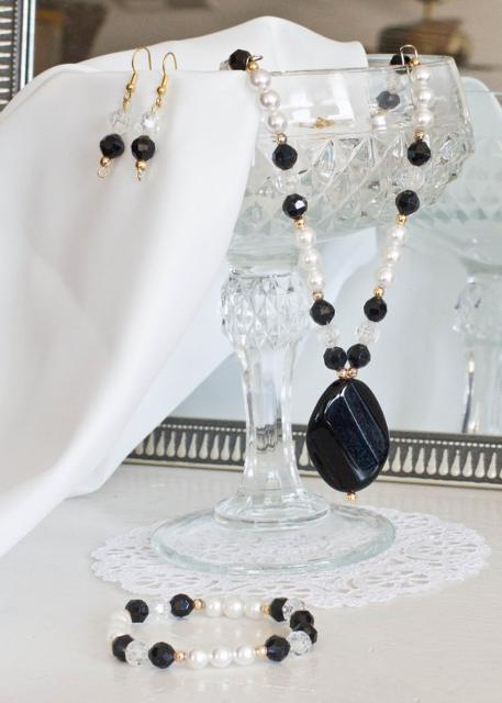 Black Crystal Pearl Set